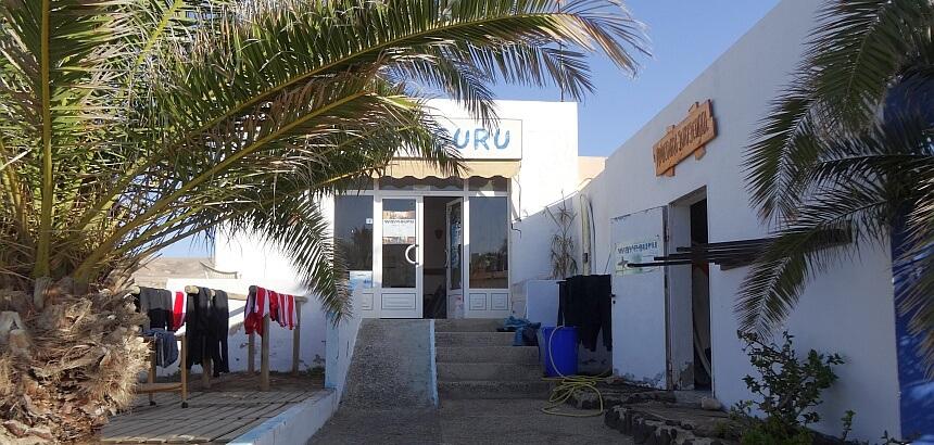 Waveguru Surfcamp Fuerteventura surfen