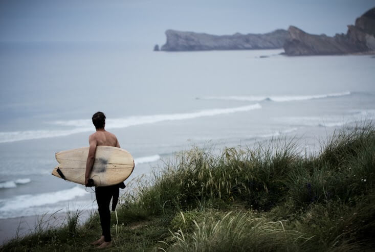 110-cantabria-surfer-liencres