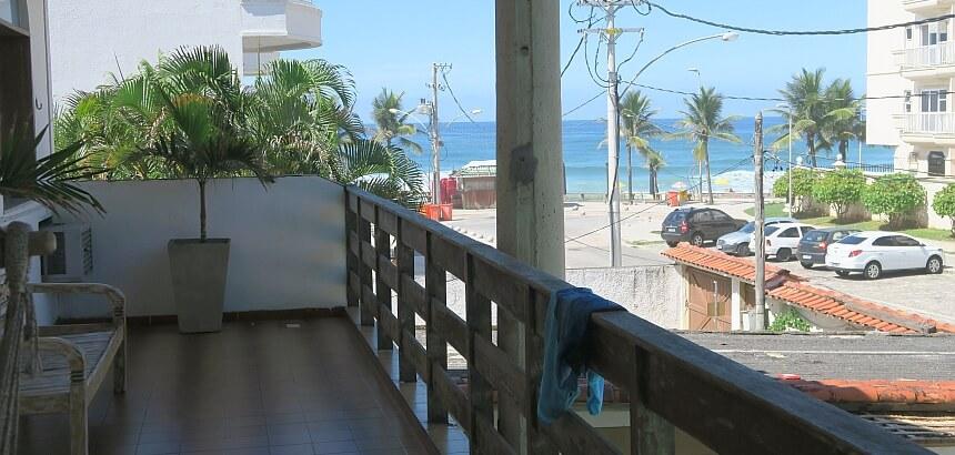 Hereda Surf Hostel_Balkon