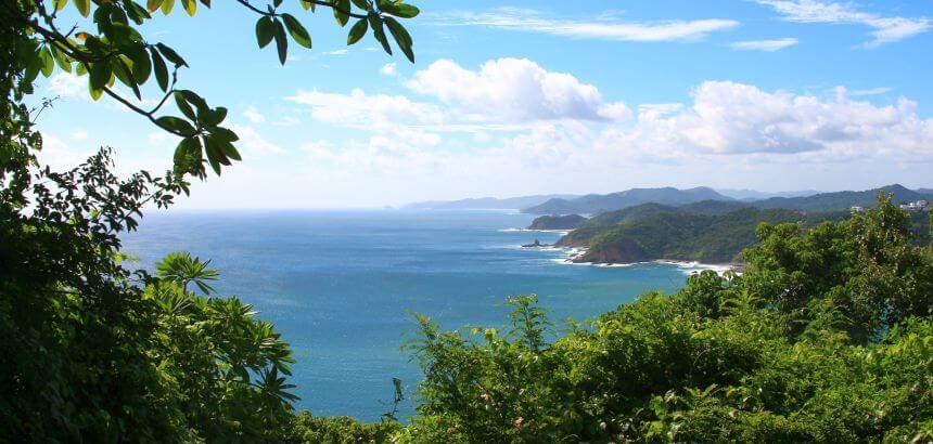 In Nicaragua surfen_Küstenlandschaft bei San Juan del Sur