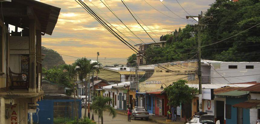 Viele Hostels in Nicaragua bieten einen Surfboard Verleih