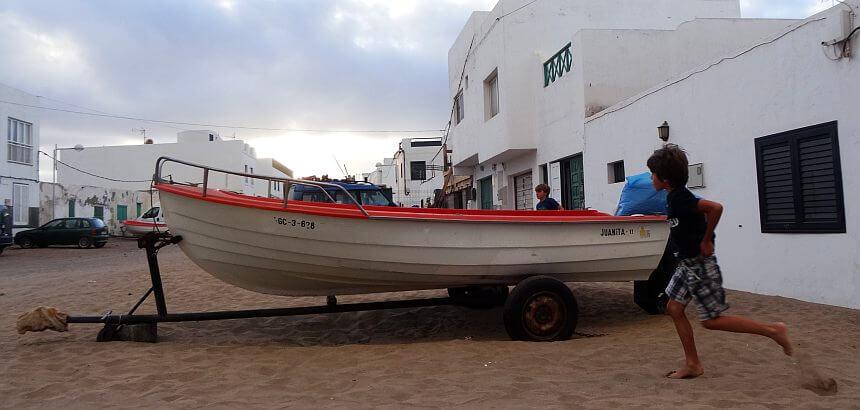 Famara-Streetlife-5