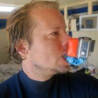 geschenke-fuer-surfer_gopro-mundhalterung