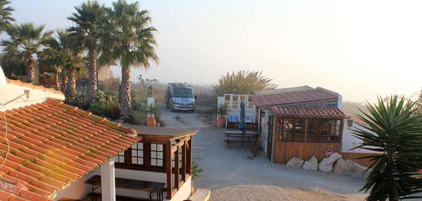 Das Da Silva Surfcamp in Lourinha ist ein ruihges Fleckchen Erde