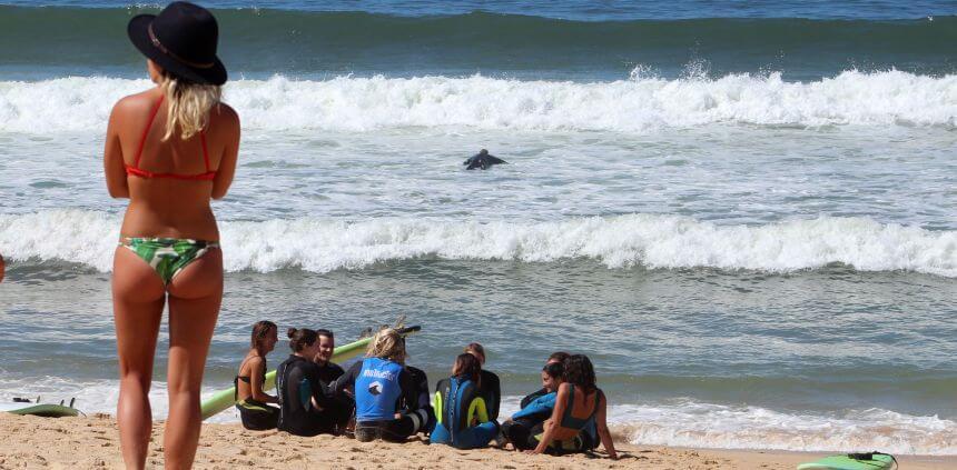 Szene vom Strand am Dreamsea Surfcamp Portugal am Praia da Gale im Alentejo
