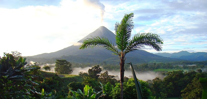 In Costa Rica surfen_Vulkane und Dschungel
