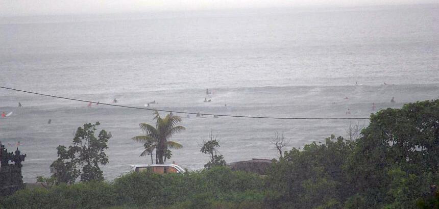 Bali surfen Regenzeit
