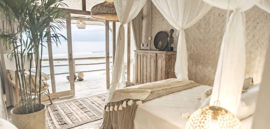 Der Stile ist unverkennbar_Doppelzimmer im Dreamsea Surfcamp Bali