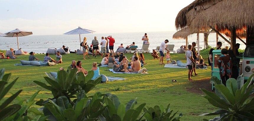 Surfurlaub auf Bali- das ganze Jahr Sommer und gute Wellen