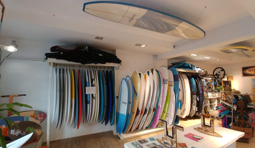 Secret Spot Surf Shop innen