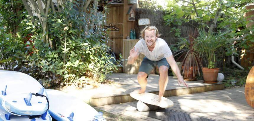 Fit fürs Indoor Surfen - Balance Boards bieten gute Trainingseffekte