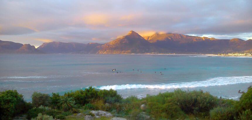 Surfer in Kommetje bei Kapstadt