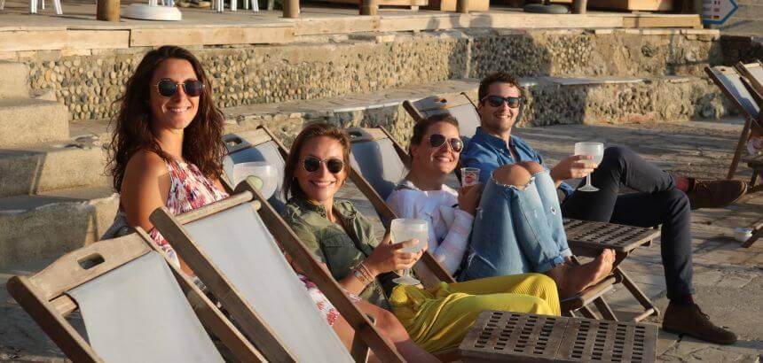 Gemeinsamer Ausflug mit Sundowner an der Strandbar von Azenhas do Mar