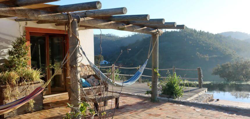 Die Terrasse meiner Unterkunft in der Pura Vida Eco Lodge