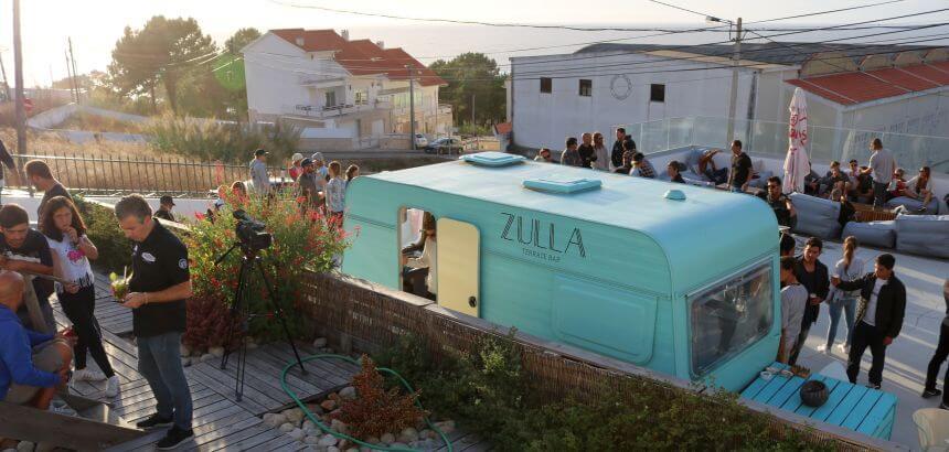 Die Zulla Bar in Nazaré wird im Sommer zum Treffpunkt der Locals