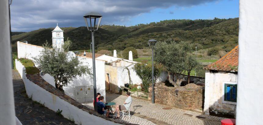 Die rustikalen Häuser in Aldeia da Pedralva haben Charme