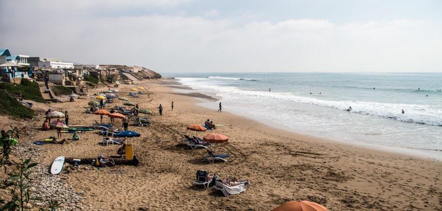 Die Strandmeute vom Devil's Rock zwischen Taghazout und Tamraght in Marokko