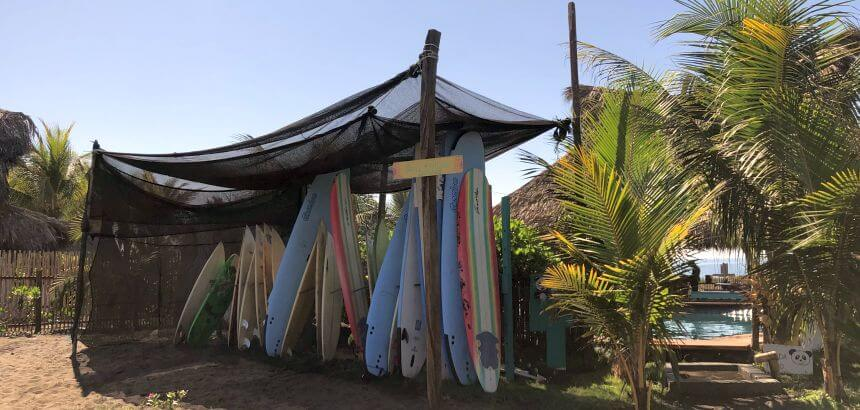 Surfboard Rental in der Cocori-Lodge in Guatemala