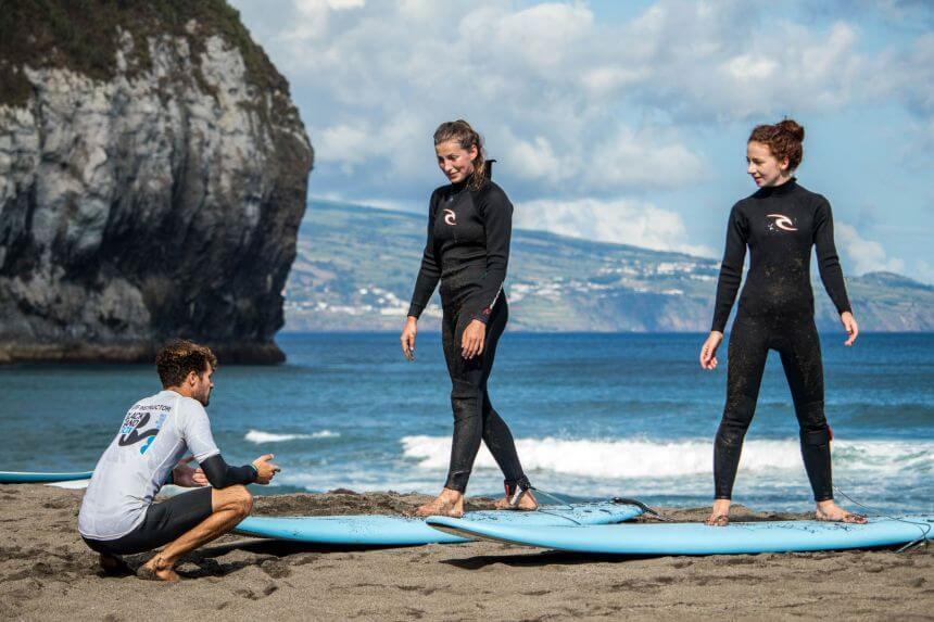 Surfkurs beim Blacksand Surfcamp Azoren