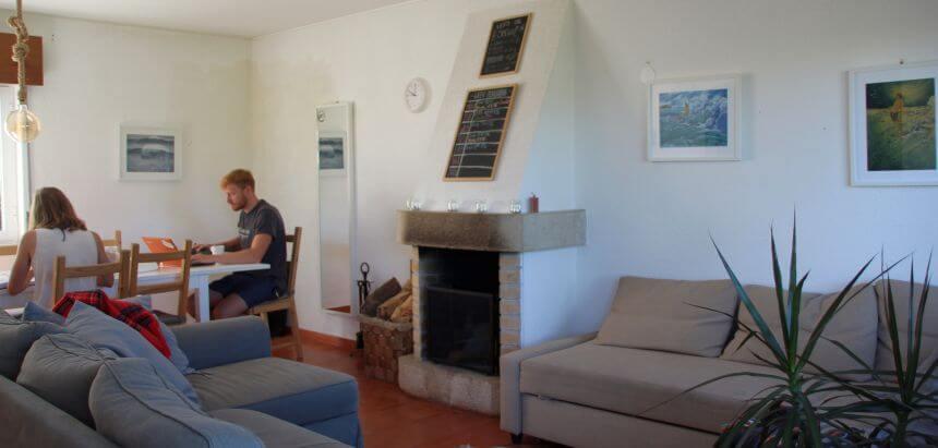 Das Surfhaus vom SaltyWay Surfcamp bei Lissabon