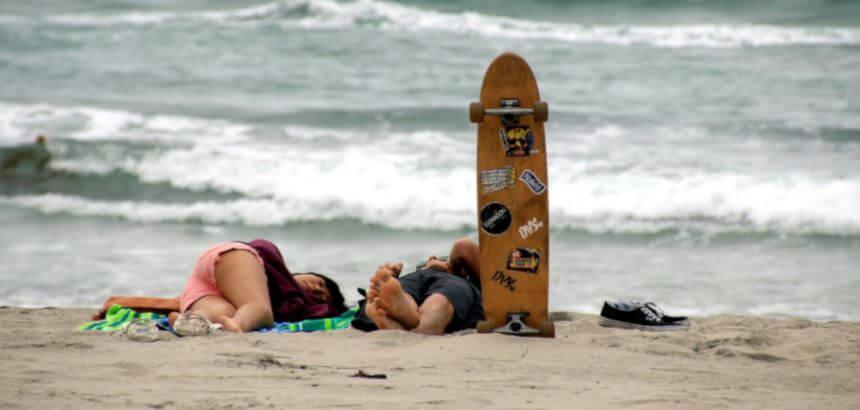 Longboard am Strand