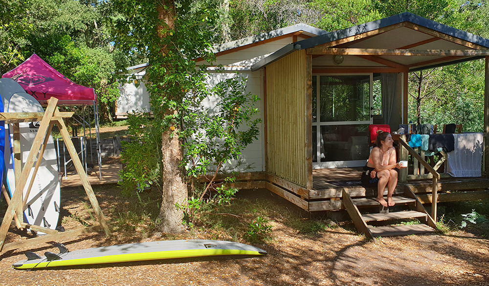 Komfortable Mobile Homes im Pure Surfcamp Frankreich 24+