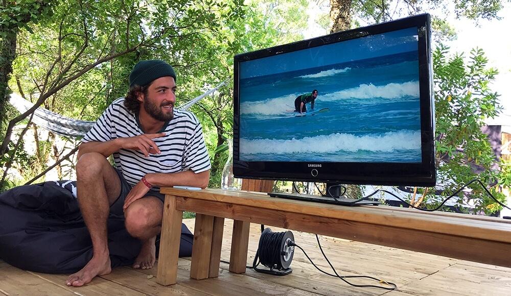 Videoanalyse im Surfkurs vom Pure Surfcamp Frankreich