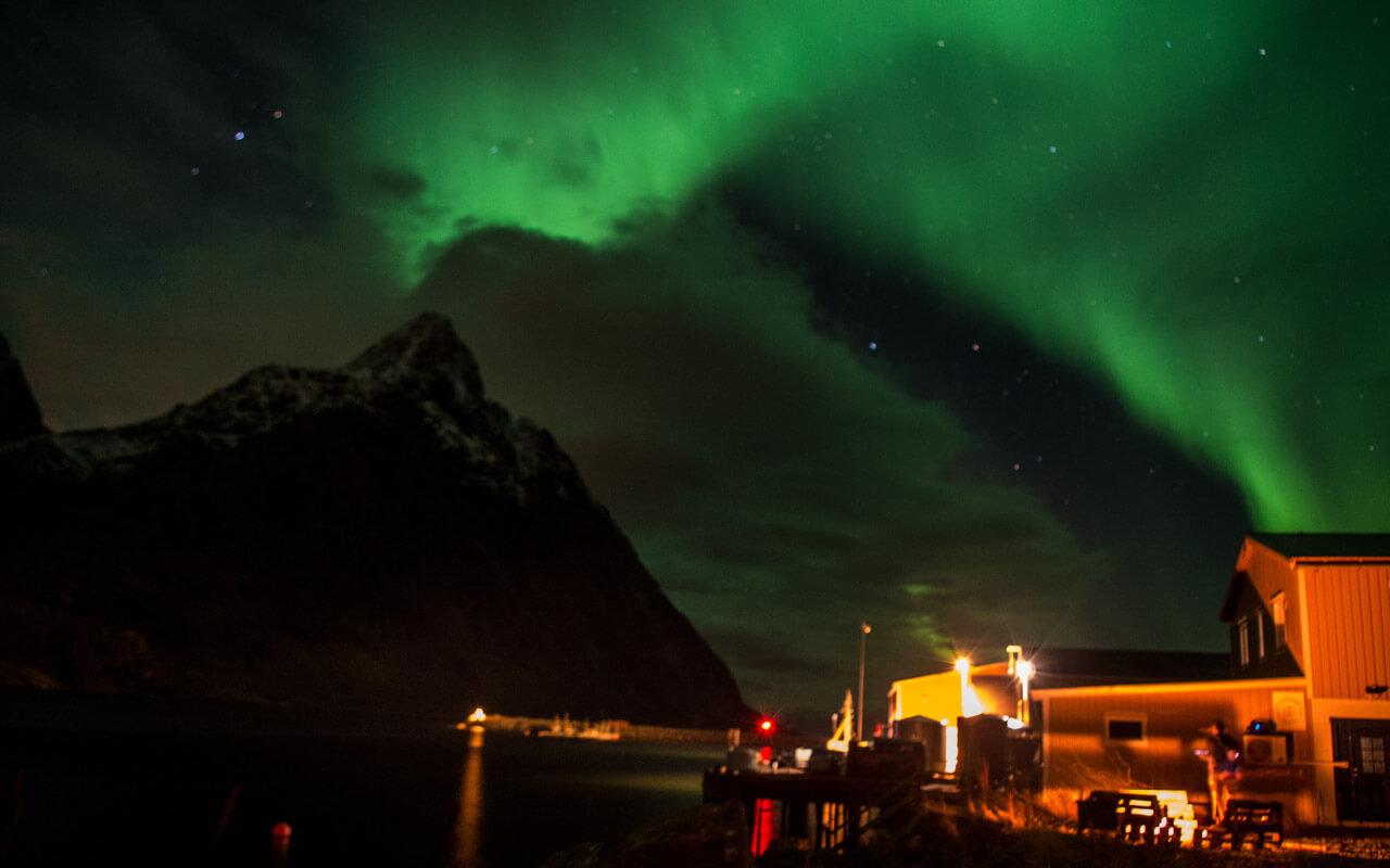 surfen-lofoten-lodge-polarlichter-1