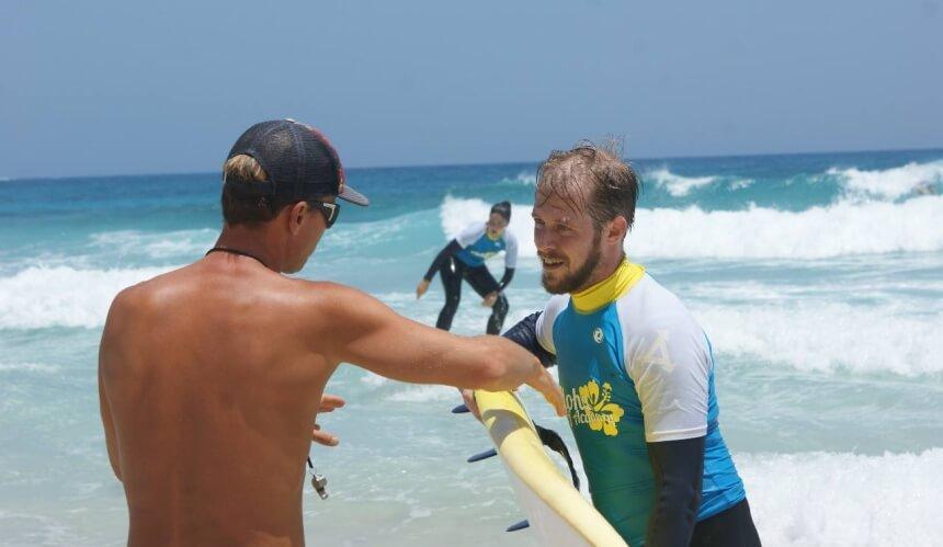 Die Aloha Surf Academy in Corralejo ist eine renommierte Surfschule Fuerteventura