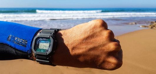 Gezeitenuhr oder Tide Watch für Surfer