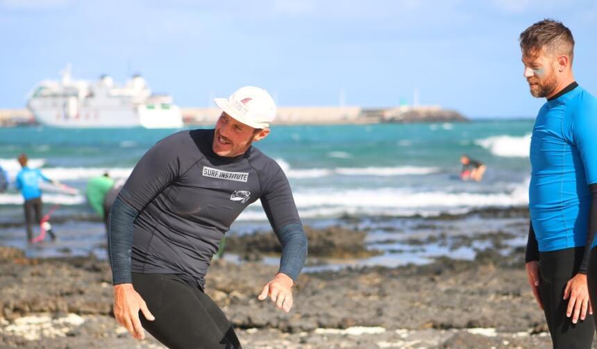 Surfcamp Fuerteventura_Techniktraining mit Dave am Surfspot Rocky Point in Corralejo
