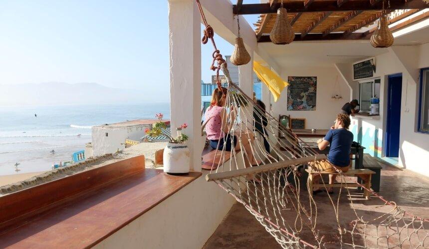 Ausblick auf den Spot von der Tayourt Lodge im Olo Surfcamp Imsouane