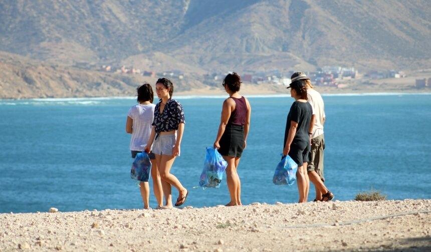 Beach Cleanup in Imsouane, Marokko
