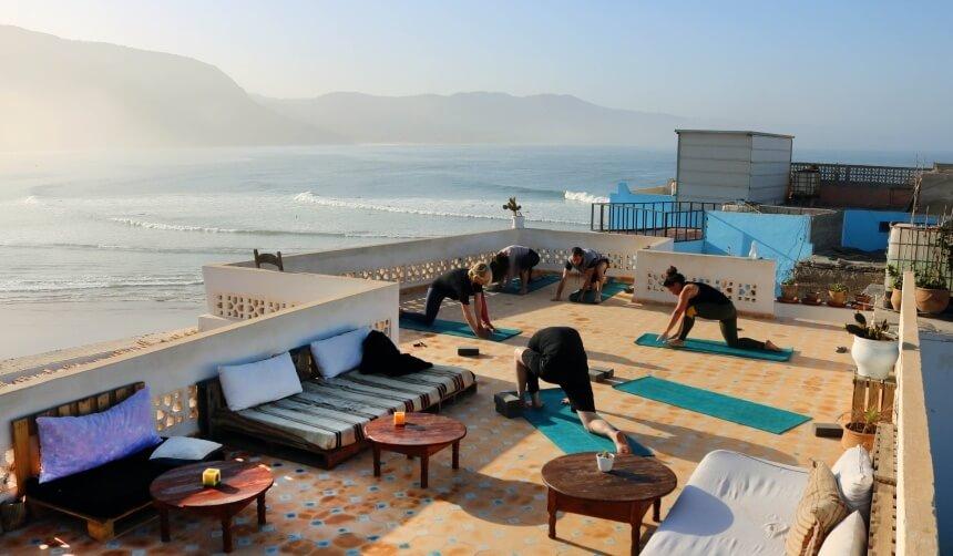 Yoga im Olo Surf & Nature Surfcamp Marokko in Imsouane