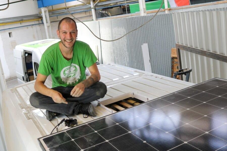 Bei der Auslegung der Elektrik und der Installation von Batterie und Solarpannel werden oft Fehler gemacht