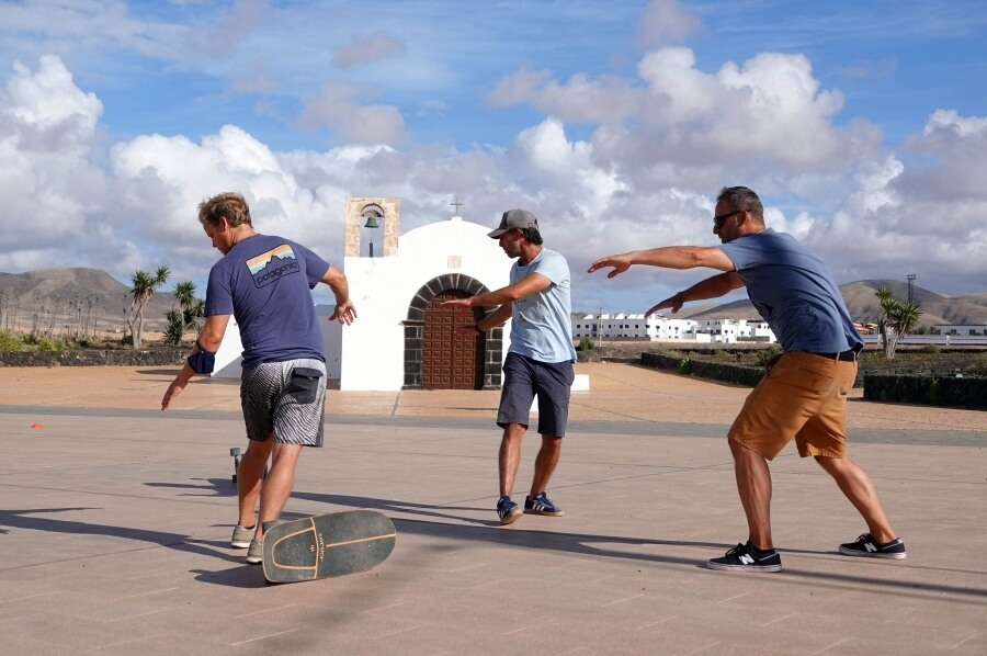 Surf Skate Training von Tight Arcs Fuerteventura in El Cotillo