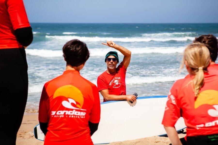 3Ondas_Surfcoach Frithjof bei der Arbeit